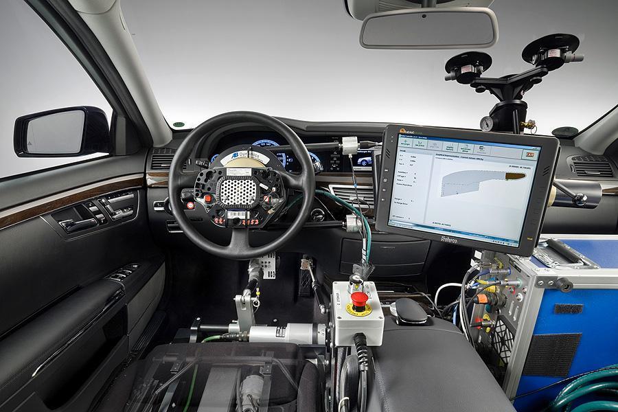 El aumento de componentes electrónicos en los coches hace que sean más delicados en caso de caerles un rayo.