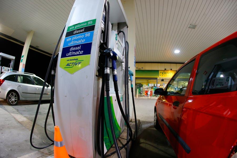 Ya se venden más coches de gasolina que diésel
