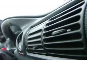 Evita una exposición directa y prolongada al chorro de aire acondicionado.