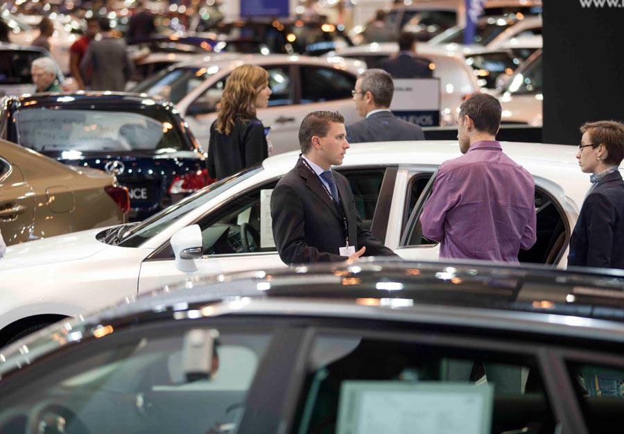 Los vehículos asegurados en España cierran noviembre en positivo