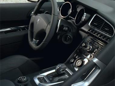 Peugeot 3008 HYbrid4: interior