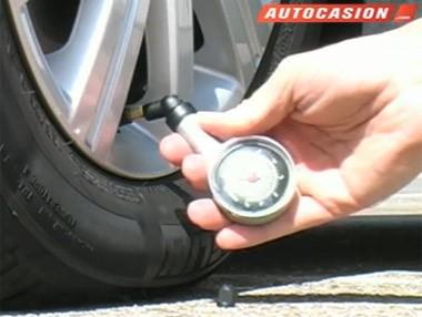 Cómo comprobar bien la presión de los neumáticos