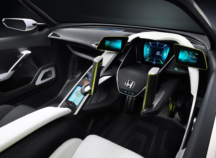 Solamente viendo el interior del Honda EV-Ster nos damos cuenta de que estamos ante un concept car.