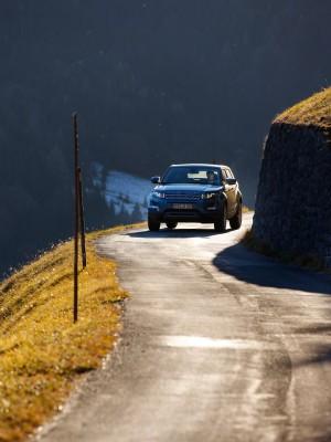 En este tipo de carreteras, el Range Rover Evoque se muestra ágil como un felino.