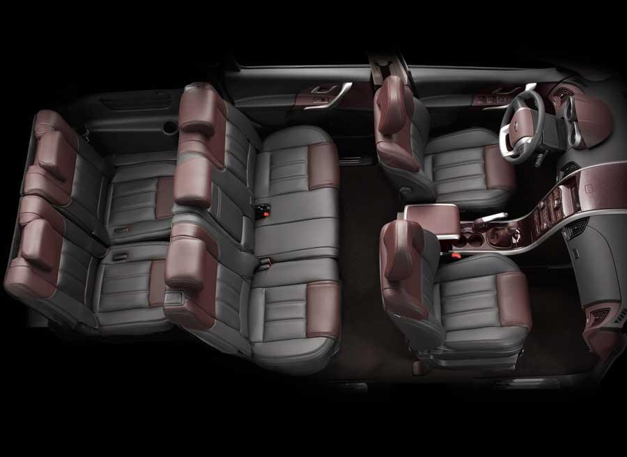 El Mahindra XUV500 tiene una capacidad para siete pasajeros.