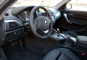 El interior mejora con detalles de mayor calidad y apariencia.