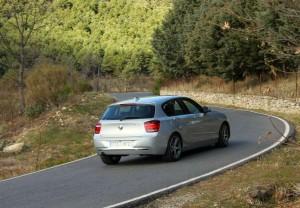 En carreteras de montaña, el Serie 1 se muestra eficaz y divertido.