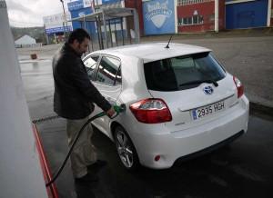 Toyota Auris Hybrid repostando, Rubén Fidalgo