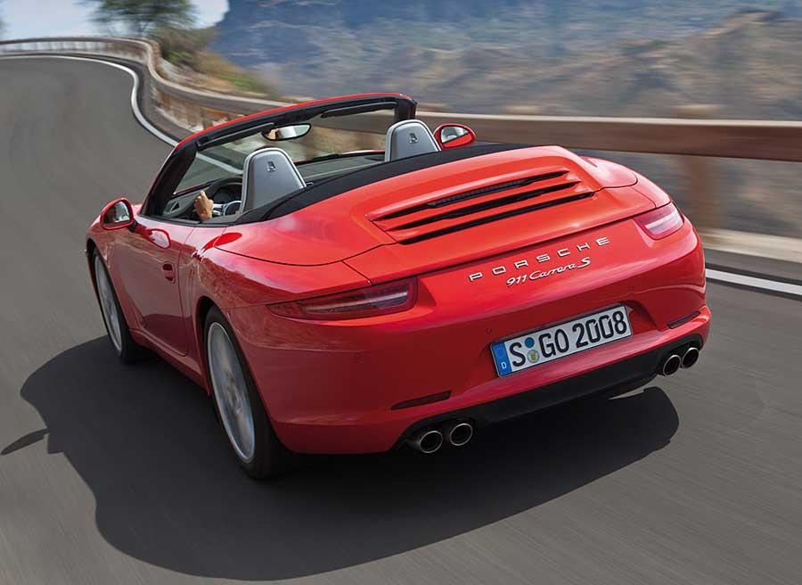 Mejoras en los motores y una nueva caja de cambios para el Porsche 911 Cabrio.