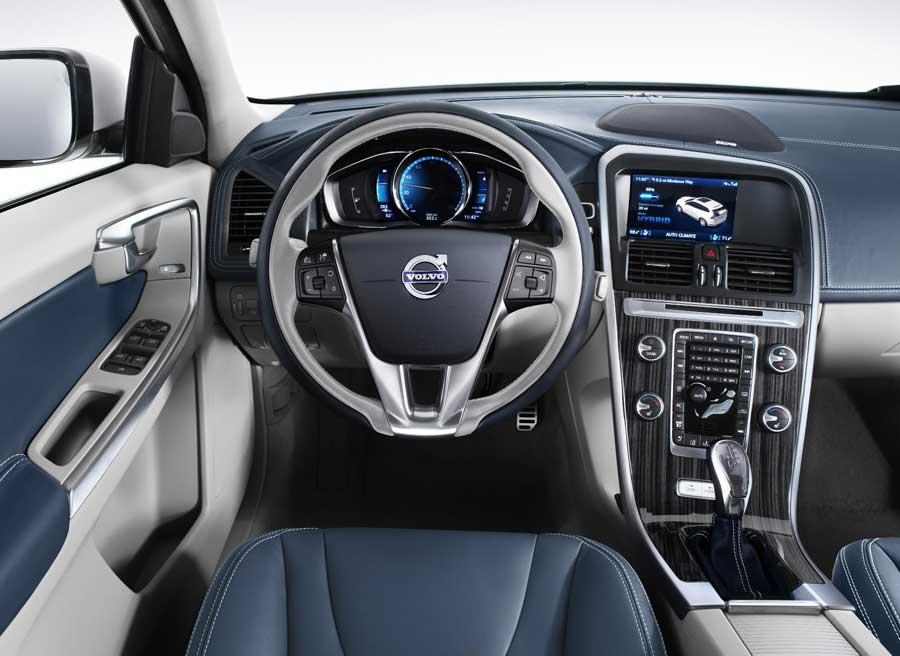 Con los cambios obvios de una versión híbrida, la imagen interior de este XC60 es muy similar a la del convencional.