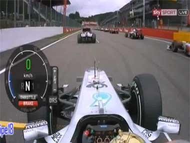 Vídeo: salida de Schumacher en el GP de Bélgica 2011