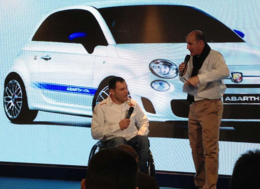 El piloto de rallys Albert Llovera ha sido el padrino de la presentación del Abarth 500 Vita.