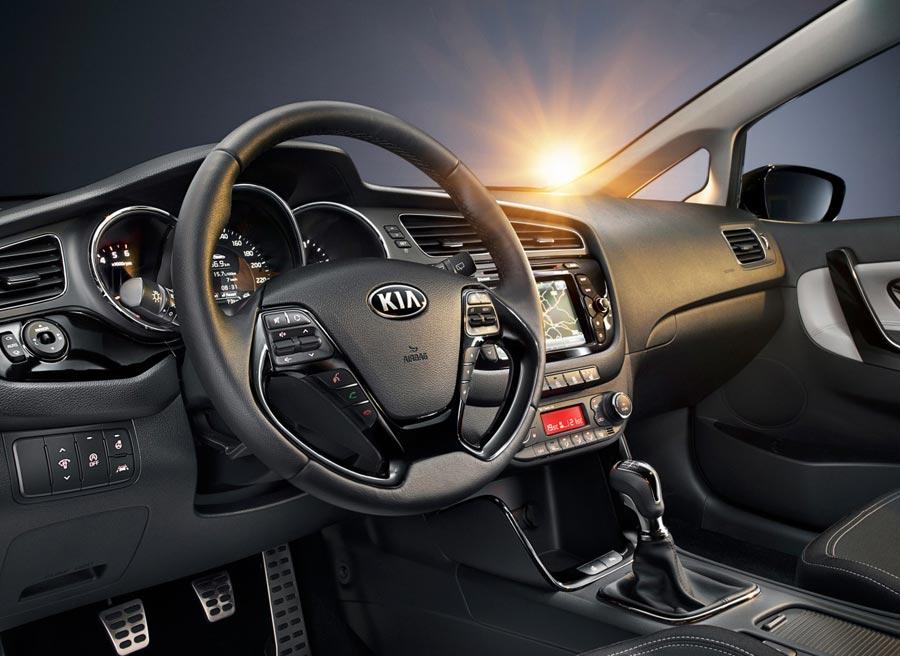 Kia ha trabajado en el interior del Cee'd para ofrecer a sus clientes un diseño más atractivo y materiales de calidad.