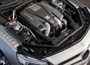 Mercedes SL 63 AMG 2012 engine