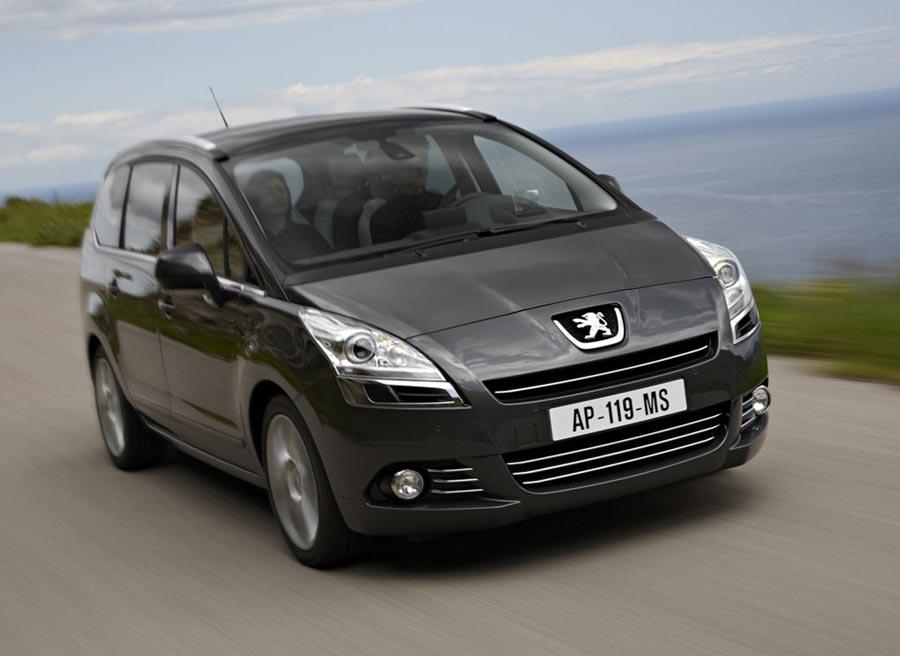 Peugeot lanza una serie especial Reference para el Peugeot 5008.