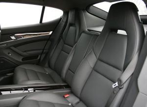 Porsche Panamera Hybrid S asientos traseros