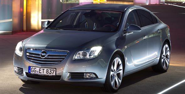 Opel Insignia BiTurbo, con 195 CV