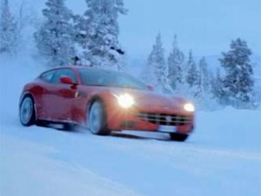 Un Ferrari FF… ¡sobre nieve y con Markku Allen!