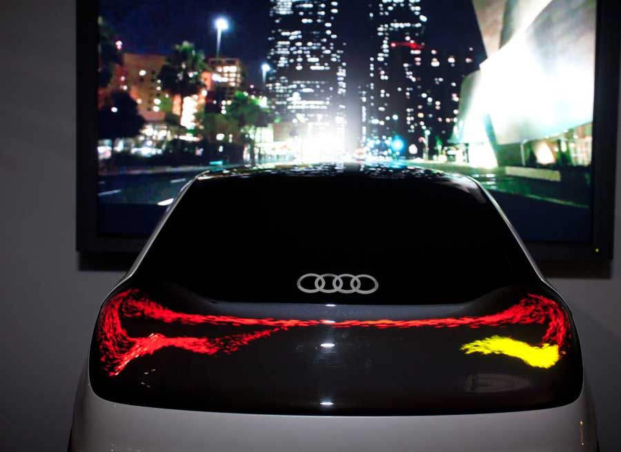 Audi iluminacion swarm OLED 02
