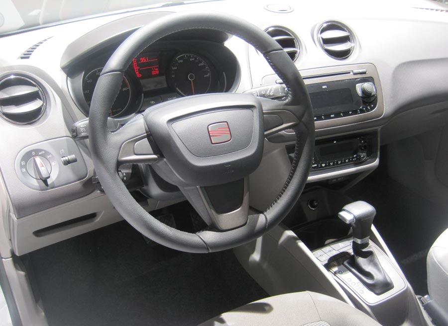 El interior del Seat Ibiza conserva intactas todas y cada una de las características ya conocidas.