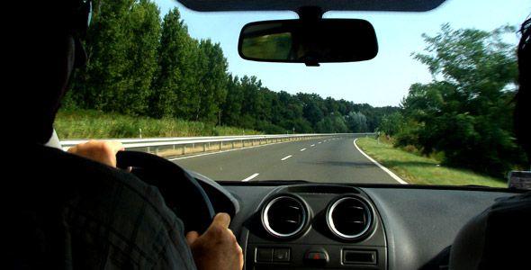 Viajar en coche en Semana Santa: trucos