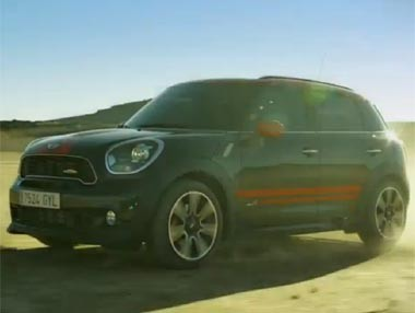 Mini JCW Countryman en movimiento