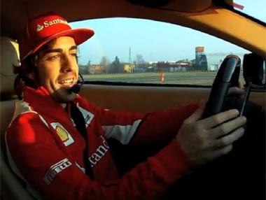 Alonso al volante del Ferrari F12 Berlinetta
