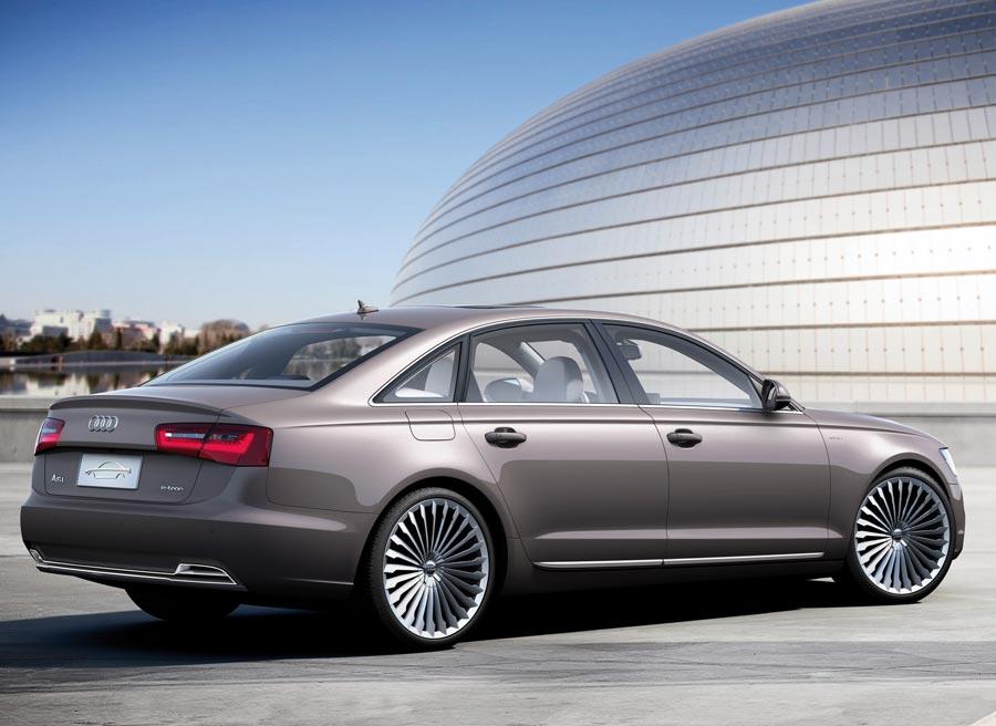 Las llantas del nuevo Audi A6 L e-tron son el unico elemento que varía visiblemenet respecto al modelo convencional.