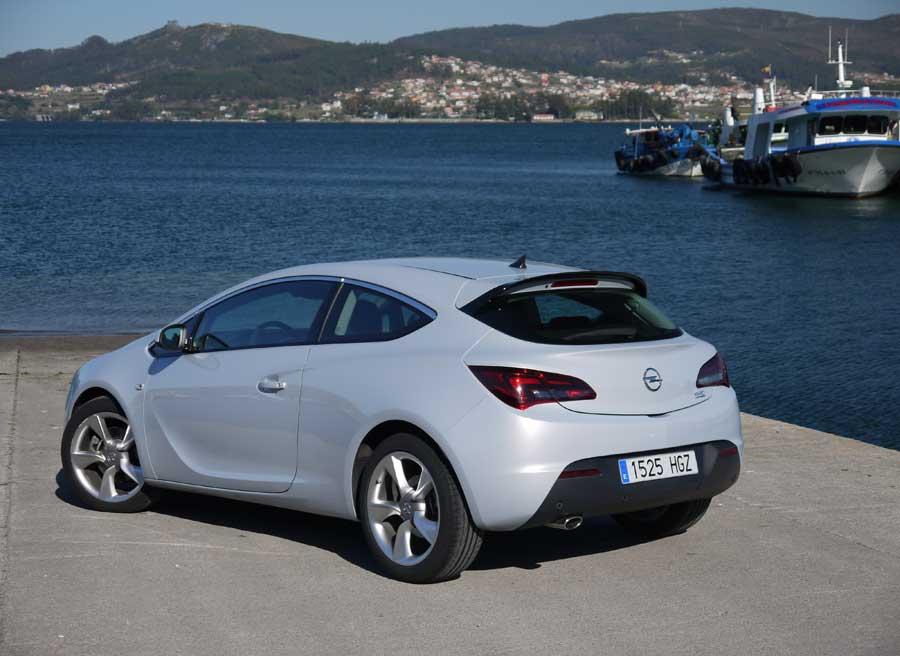 Opel Astra GTC 2.0 CDTi 165 CV,San Adrián de Cobres, Rubén Fidalgo