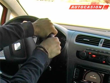 Posición correcta de las manos al volante