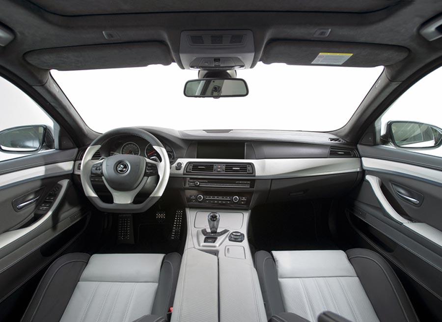 Hamann ha transformado también el interior del BMW M5.