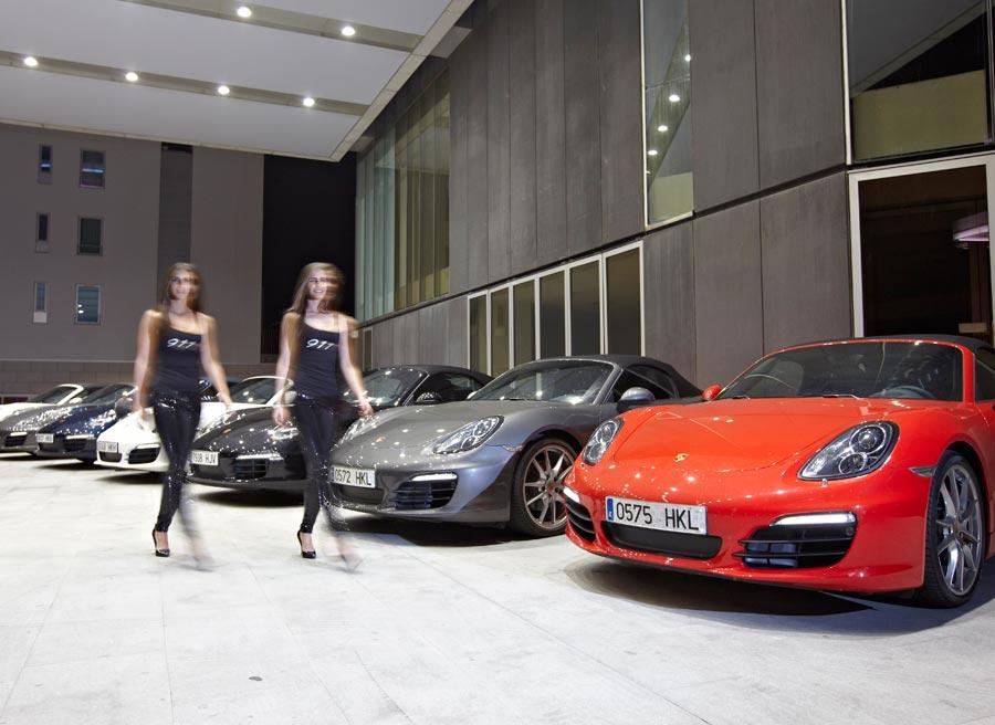 Durante la presentación, no solo el Porsche Boxster aportó el glamour.