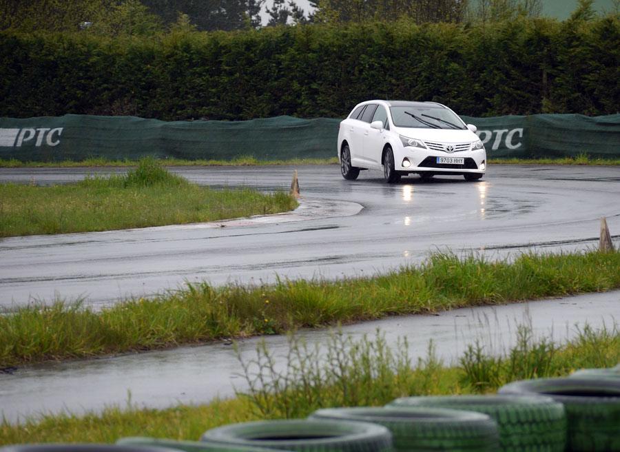 Toyota Avensis Cross Sport D4 Cat 180D Executive, A Pastoriza, Rubén Fidalgo