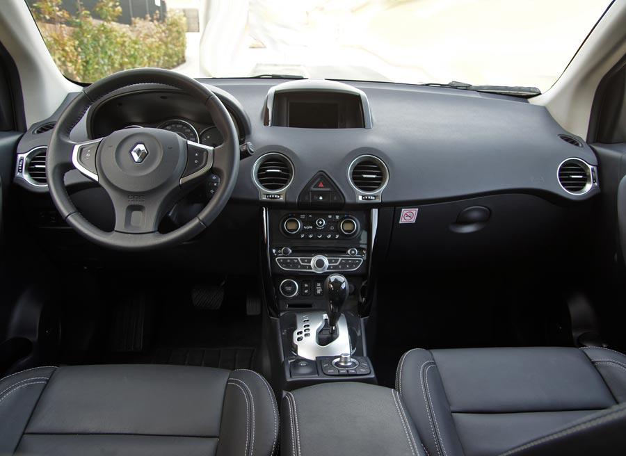 El espacio que ofrece el Renault Koleos en la parte delantera es uno de sus puntos fuertes.