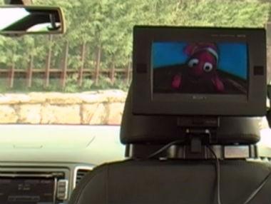 Viajar con niños: cómo entretenerlos en el coche