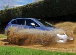 Subaru XV, lateral