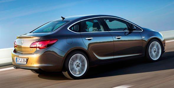 El Opel Astra Sedán llegará a España en octubre