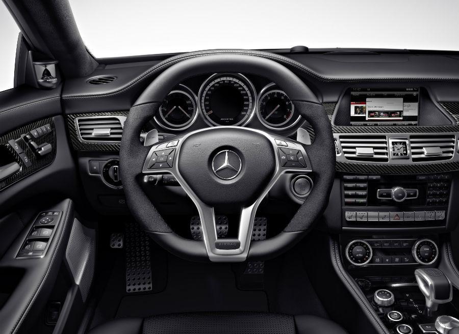 El interior de la versión AMG del CLS Shooting Brake presenta diversas modificaciones respecto al modelo convencional.