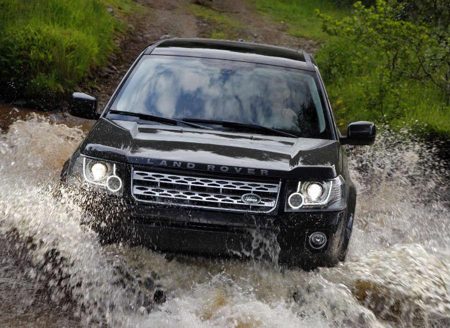 El nuevo Land Rover Freelander sigue defendiéndose como pez en el agua cuando las condiciones se complican.
