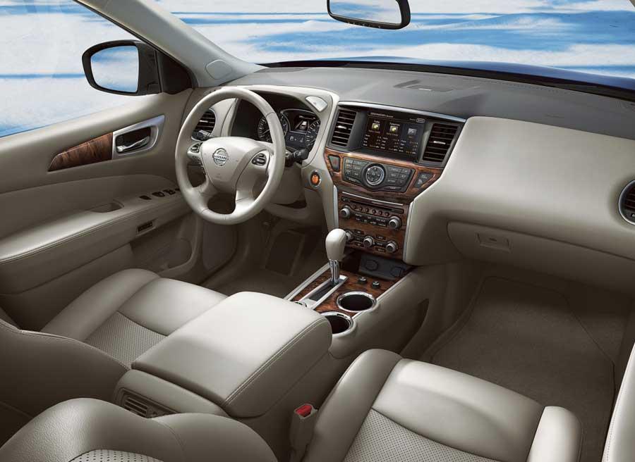 Interior del Nissan Pathfinder 2013