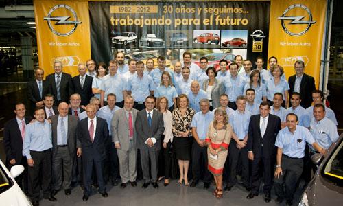 Celebración del 30 aniversario de GM y 150 de Opel.