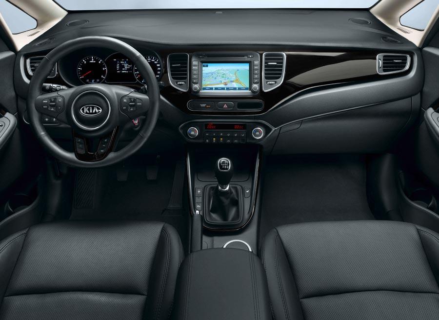 Kia apuesta por la funcionalidad en el interior del nuevo Kia Carens.