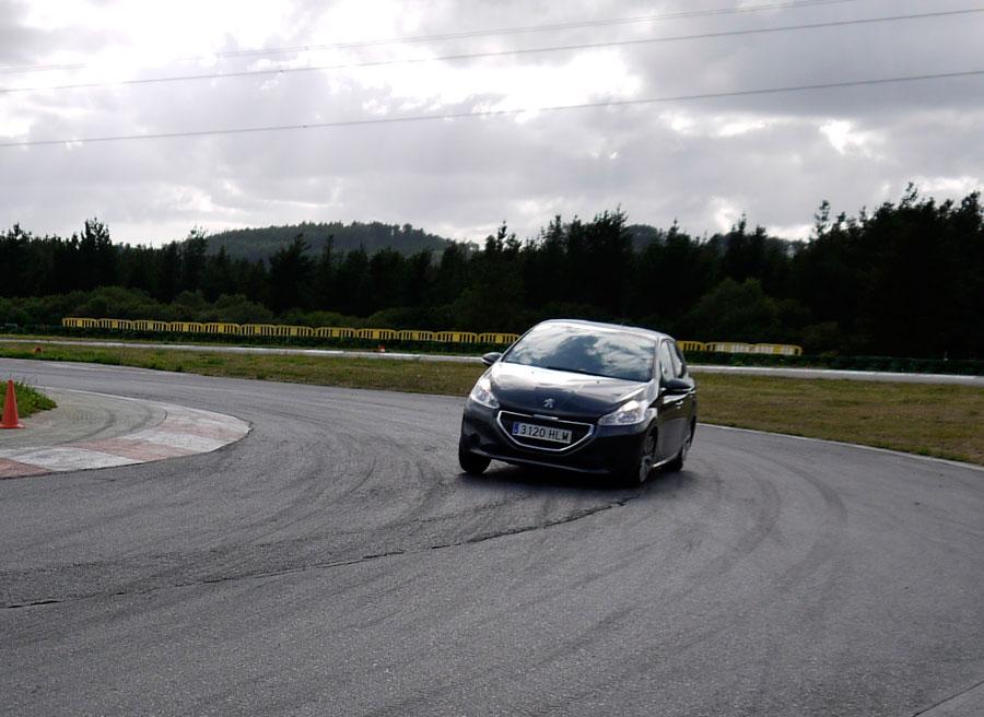 Peugeot 208 eHDi 92 CV, A Pastoriza, Rubén Fidalgo