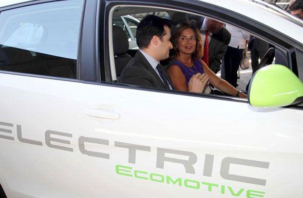 Seat cede 2 coches 100% eléctricos al Ayuntamiento de Madrid