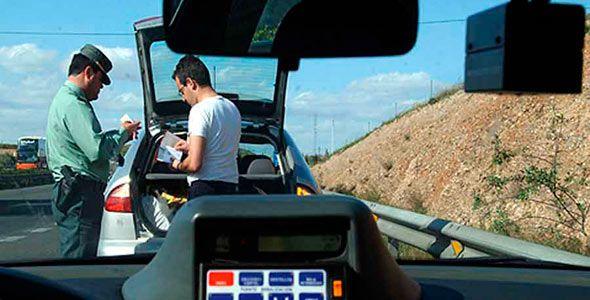Campaña de control del cinturón: la DGT multa a 4.589 conductores