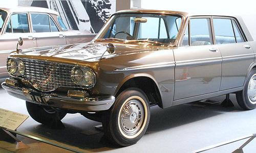 El Toyota Crown fue el primer modelo de la marca en llegar a Europa. W.Commons/Mytho88
