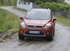 Ford Kuga Titanium 4x4, camino