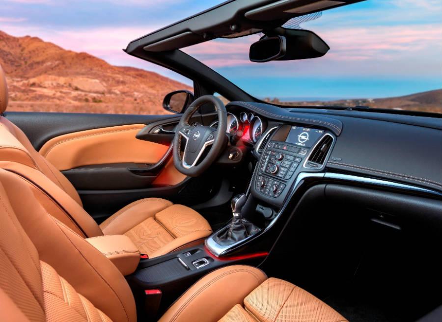 El interior del nuevo Opel Cabrio da una imagen de modelo Premium.