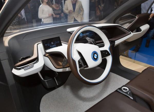 El interior es claramente futurista.