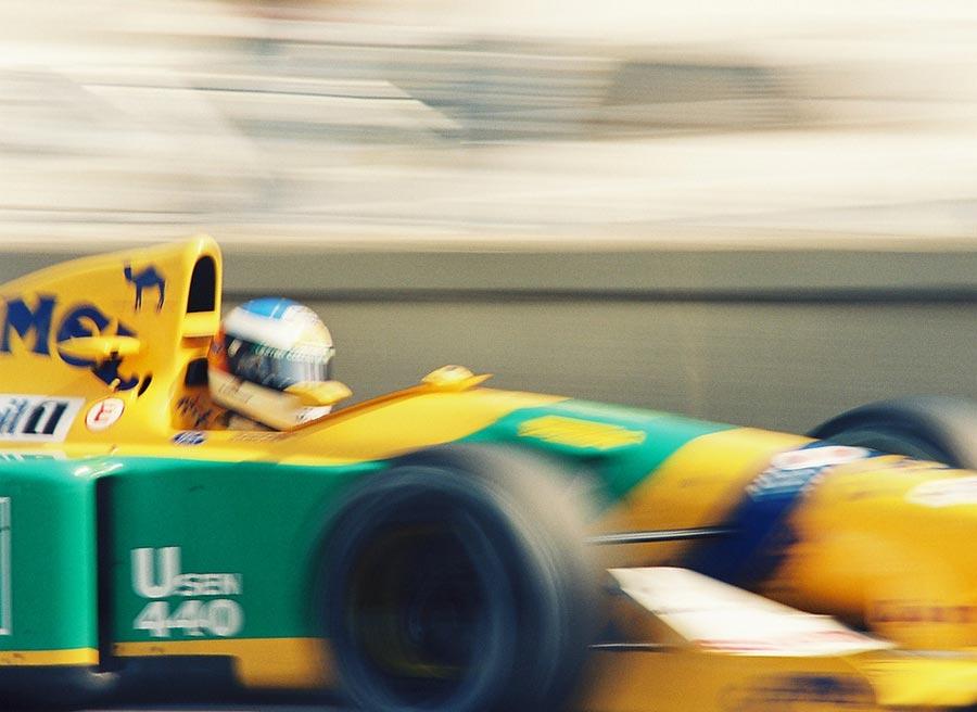 Schumi al volante de uno de sus Benetton, el equipo que le dio sus primeros laureles. Foto: Wikimedia commons.
